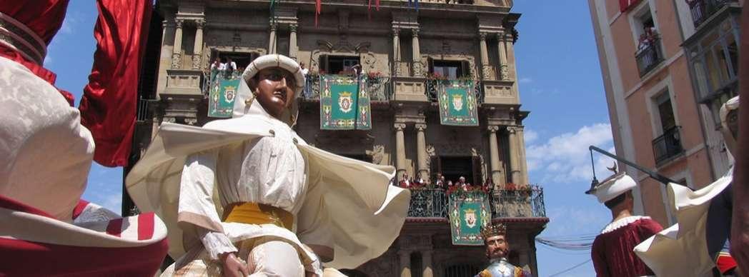 Gigantes Y Cabezudos Recorridos De La Comparsa 2019 Navarra