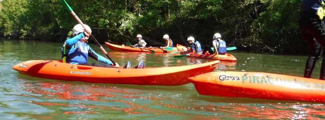 Curso de iniciación al kayak para niños y niñas