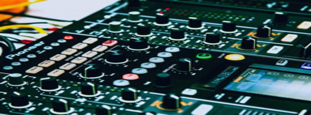 Taller de DJ con Asociación Ática