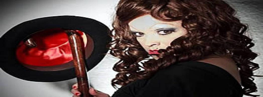 """Estefanía de Paz: """"Cabaret paranormal"""""""
