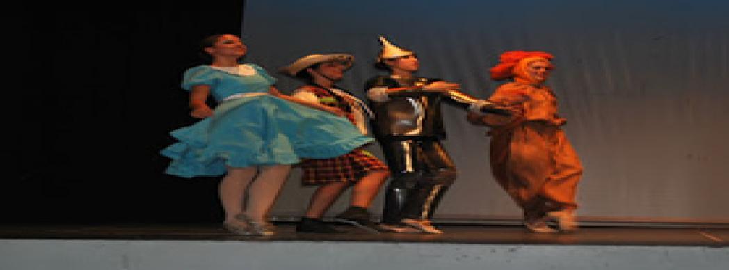 """Arte y Movimiento Estudio presenta: """"El Mago de Oz"""""""